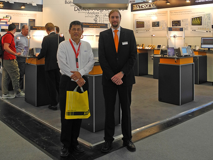 Meeting with Feng Yang (Rigol) at the electronica 2012 Batronix booth